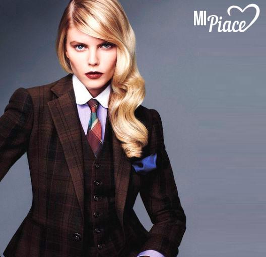 Костюм женский с галстуком
